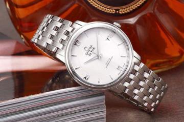 手表回收公司的选择众多 来这里回收更靠谱