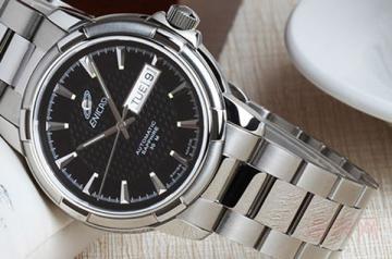 英纳格双日历全自动机械手表回收价高吗
