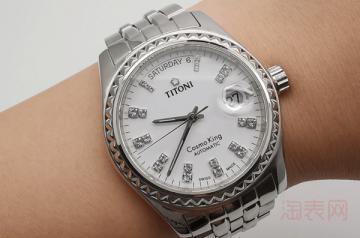 1万左右的梅花手表可以卖多少钱