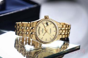 1万块的梅花手表回收多少钱