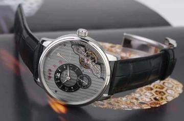 手表回收在二手市场得找正规的平台