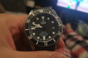 帝舵25600tn手表回收靠什么取胜