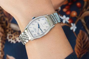 浪琴典藏手表回收价格有点高!